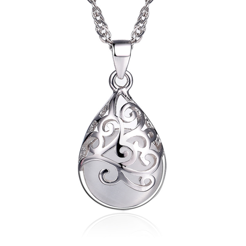 Women Silver Moonlight Pendant 1