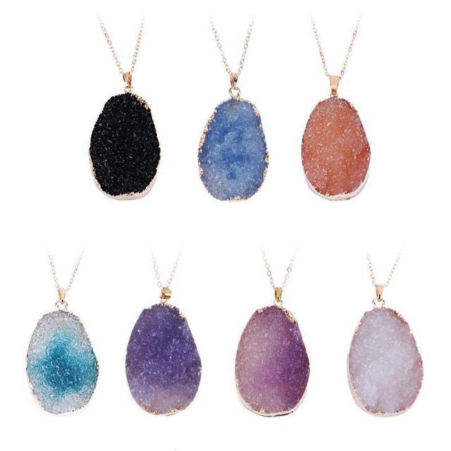 d0ec37d7571b Collar de las mujeres lindo Arco Iris Piedra Natural cuerda simple cristal  transparente colgante irregular COLLAR