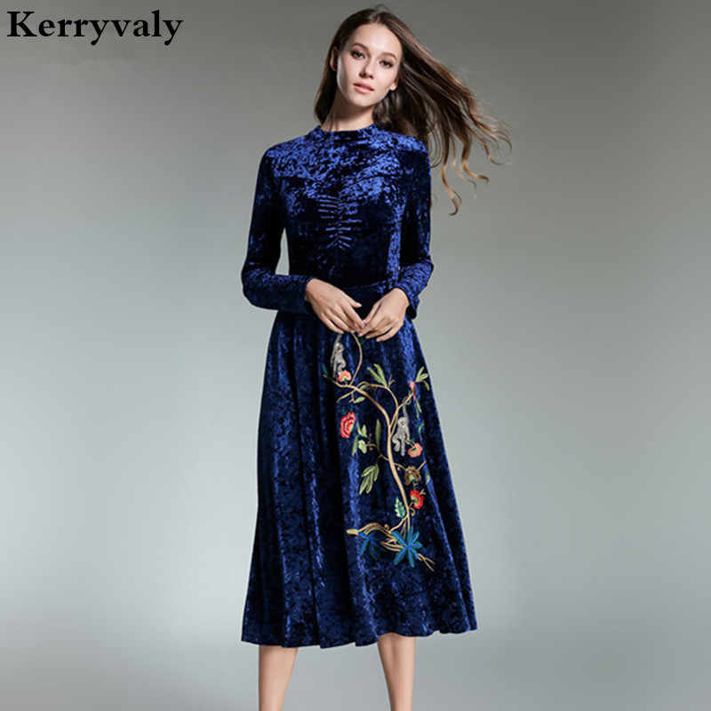 Elegant Women Long Embroidered Velvet Dress Vestidos Mujer Invierno 2018  Evening Party Red Christmas Retro Maxi ed29b3d0ab6d