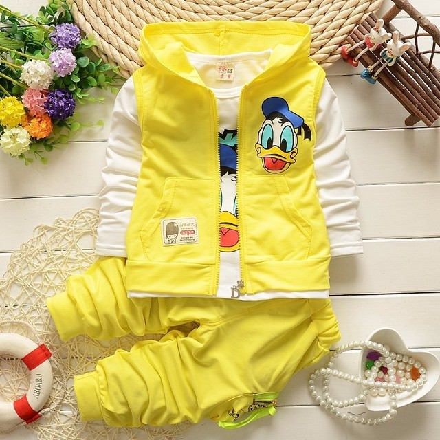 2017 New Chidren Kids Boys Girls Clothing Set Autumn Winter 3 Pcs Sets Hooded Jacket Coat Suits Fall Cotton Baby Clothes Mickey