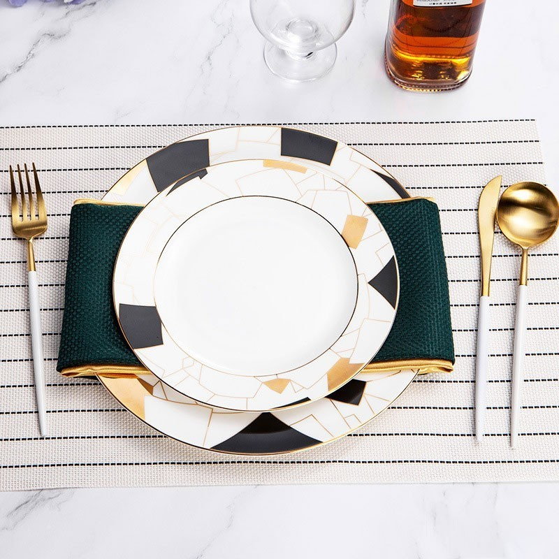 Korea Royal Golden Cutlery Set Stainless Steel Table Fork Spoon Bone China Western Plate Set Western Restaurant Tableware in Dinnerware Sets from Home Garden