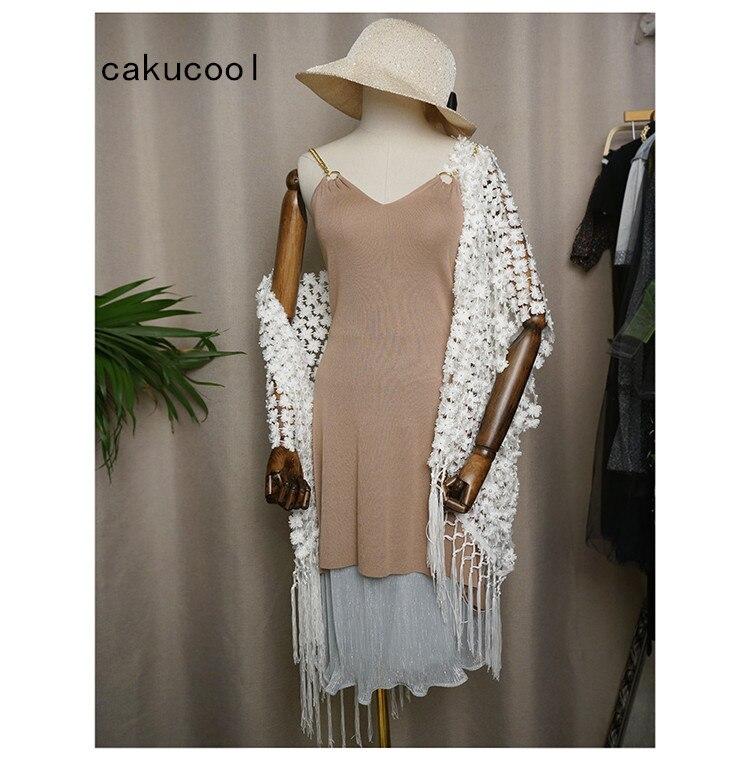 Kadın Giyim'ten Basic Ceketler'de Cakucool Kadınlar Beyaz Dantel Inci Boncuk Açık Dikiş Yaz Güneş geçirmez Ceket Püsküller Bohemian Hırka Altın Lurex Ceket CappaLady'da  Grup 1