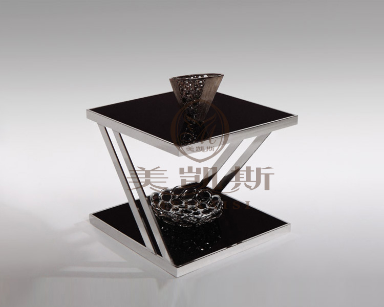 Toughened glass tea table.. Stainless steel small square table. The sofa side table. Flower
