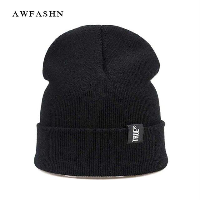 2017 nueva moda gorros de invierno gorra de invierno sombrero de punto para  Mujeres Hombres gorro f21fadf17931