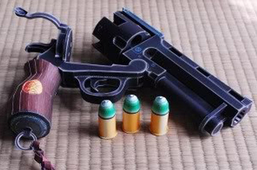 Hellboy Revolver Model Weapon Gun 3D Stereo Hand-made Drawings Firearms Military Toys