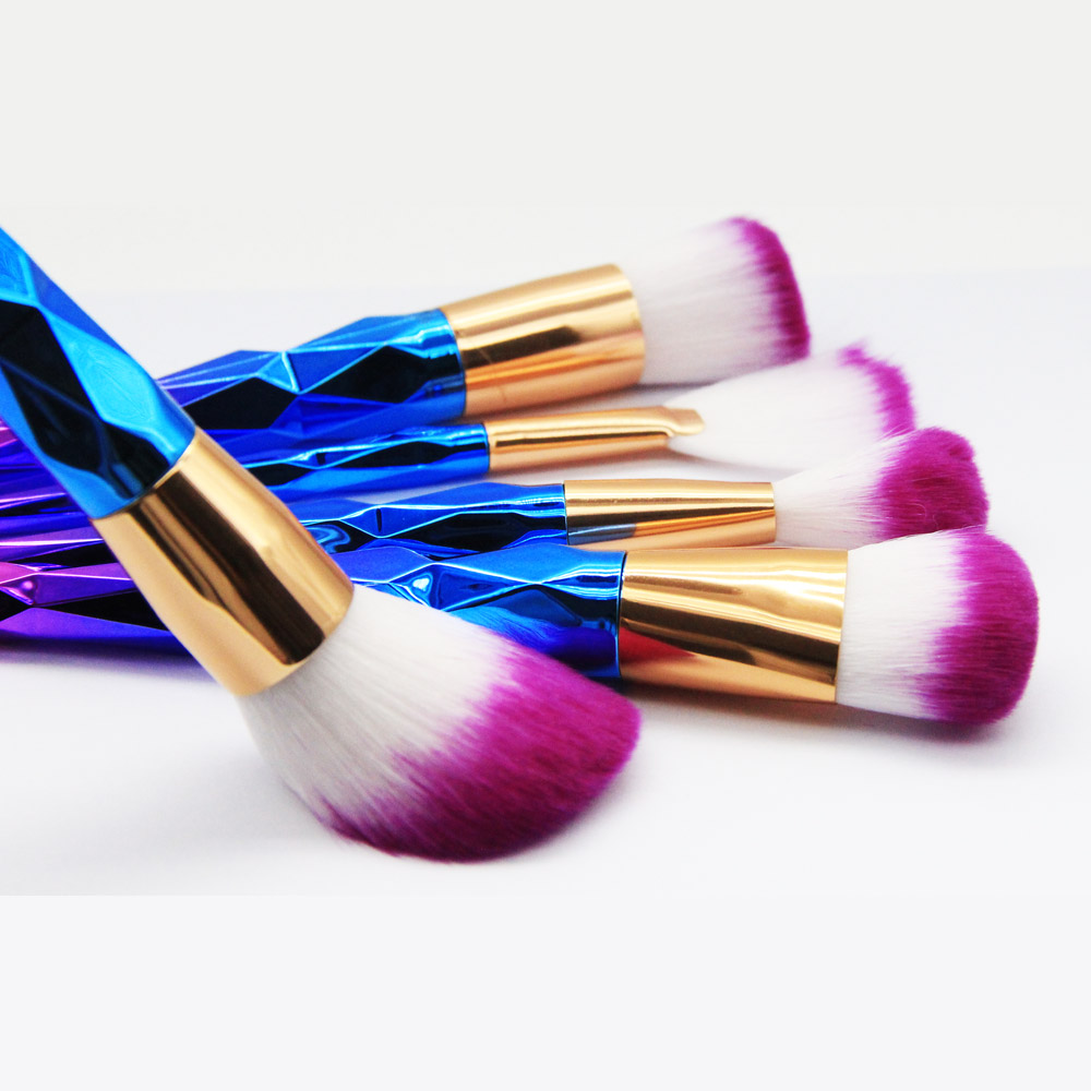 BeaKey Brand 7 Pieces/set Diamond Glitter Handle Makeup Brushes Kit Women Make up Cosmetic Tool Rainbow Brush Sets for Powder aquarium liquid glitter brush set mermaid makeup brushes bling bling glitter handle make up brush kit pincel sereia maquiagem