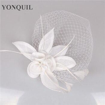 לבן צבע חתונה בגימור עדין חתונה כובעי Fascinator פנים רעלה נוצת כובע נשים כלות אופנה שיער אבזרים