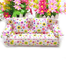 Kawaii Cute Mini Miniature Furniture Flower Sofa Print Couch with 2 Cushions House Accessories for Barbie Doll Toy Child Gifts(China)