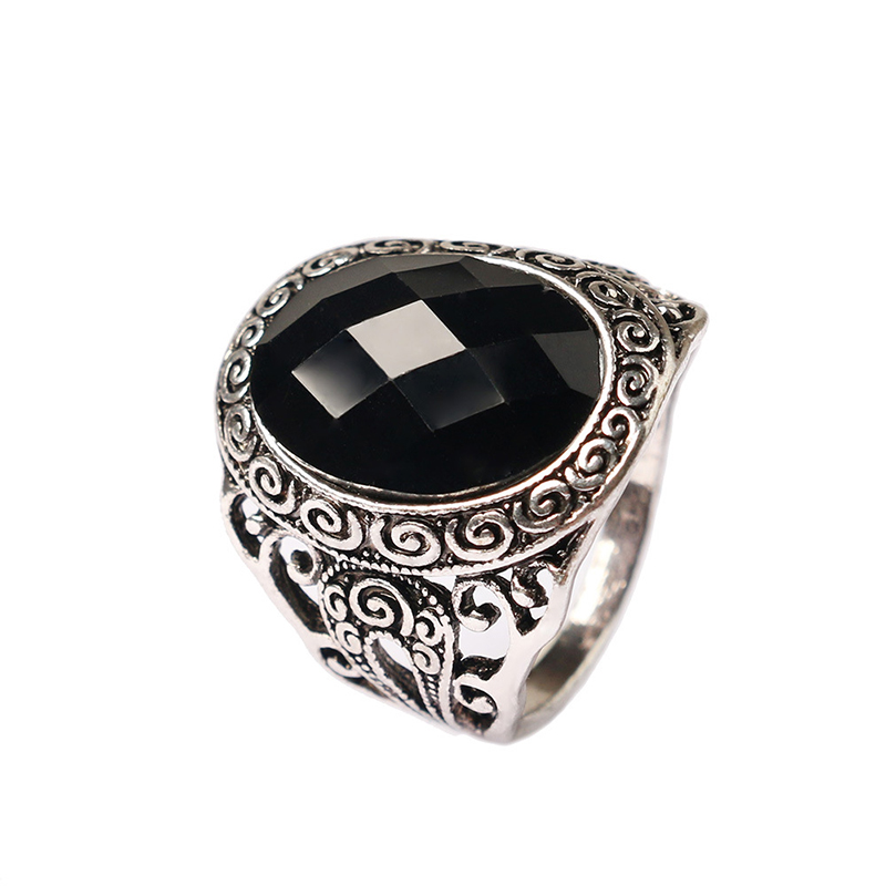 Utimtree Creative Women Vintage Rings Jewelry For Wedding Party Carved Flower Ancient Silver Color Anniversary Finger Ring Lady