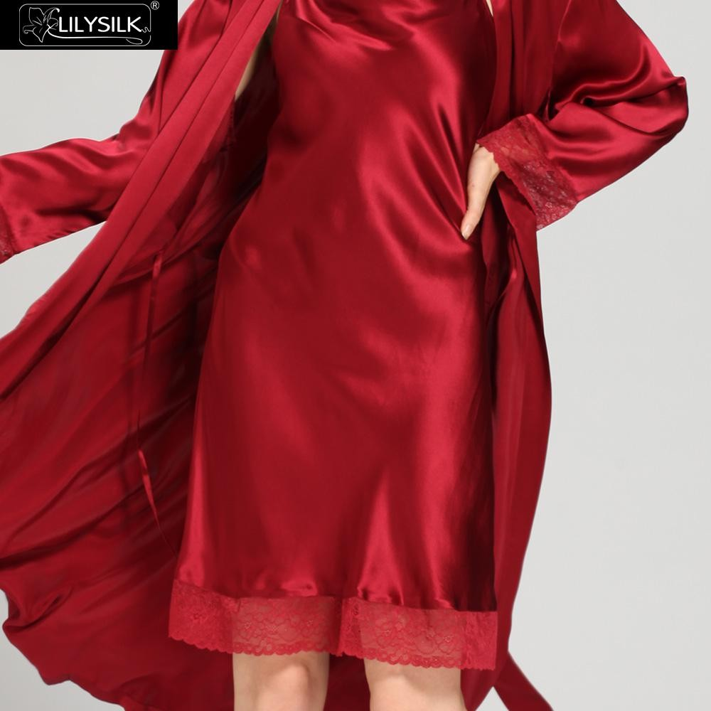 1000-claret-22-momme-lace-long-silk-nightgown-&-dressing-gown-set-03