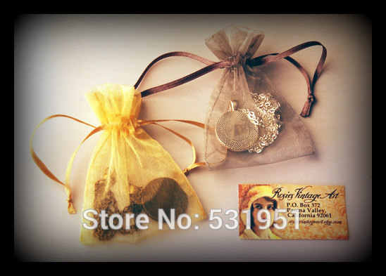 Wholesale Summer Leaves Necklace Glass Dome Art Picture Pendant Photo Pendant Handcrafted Jewelry