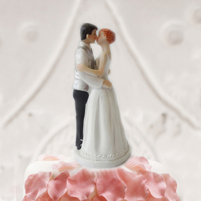 Romantic Sweet Kiss Couple Wedding Cake Figurines Funny Topper Decorations OH013