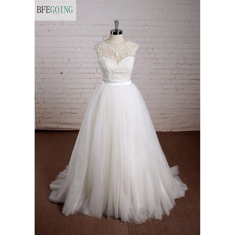 White Tulle Lace A line Floor Length Scoop Wedding dress Chapel Train Sleeveless Real Original Photos
