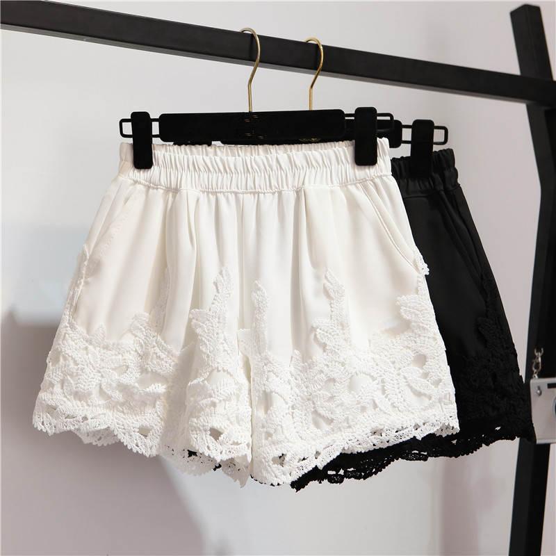 New Spring Summer Shorts Women Elastic Waist Lace Stitching Women Shorts Plus Size White Black Wide Leg Short Femme Shorts C5253