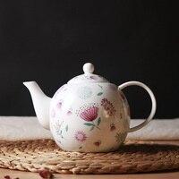 עצם סין קפה קומקום פרח חמוד פרחוני מודפס קומקומי לחיצת יד קומקום קרמיקה פסטורלי באיכות גבוהה בקבוק מים 900 ml