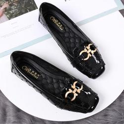 Women Flats Peas Shoes Ladies Shallow Single Shoes 2018 Summer Autumn Patent Leather Casual Breathable Loafers Leisure Shoe New
