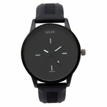 HOT Silicone Watch Women Black and White Simple Casual Style Student Couple Quartz Lady Wrist Watch bayan kol saati reloj mujer