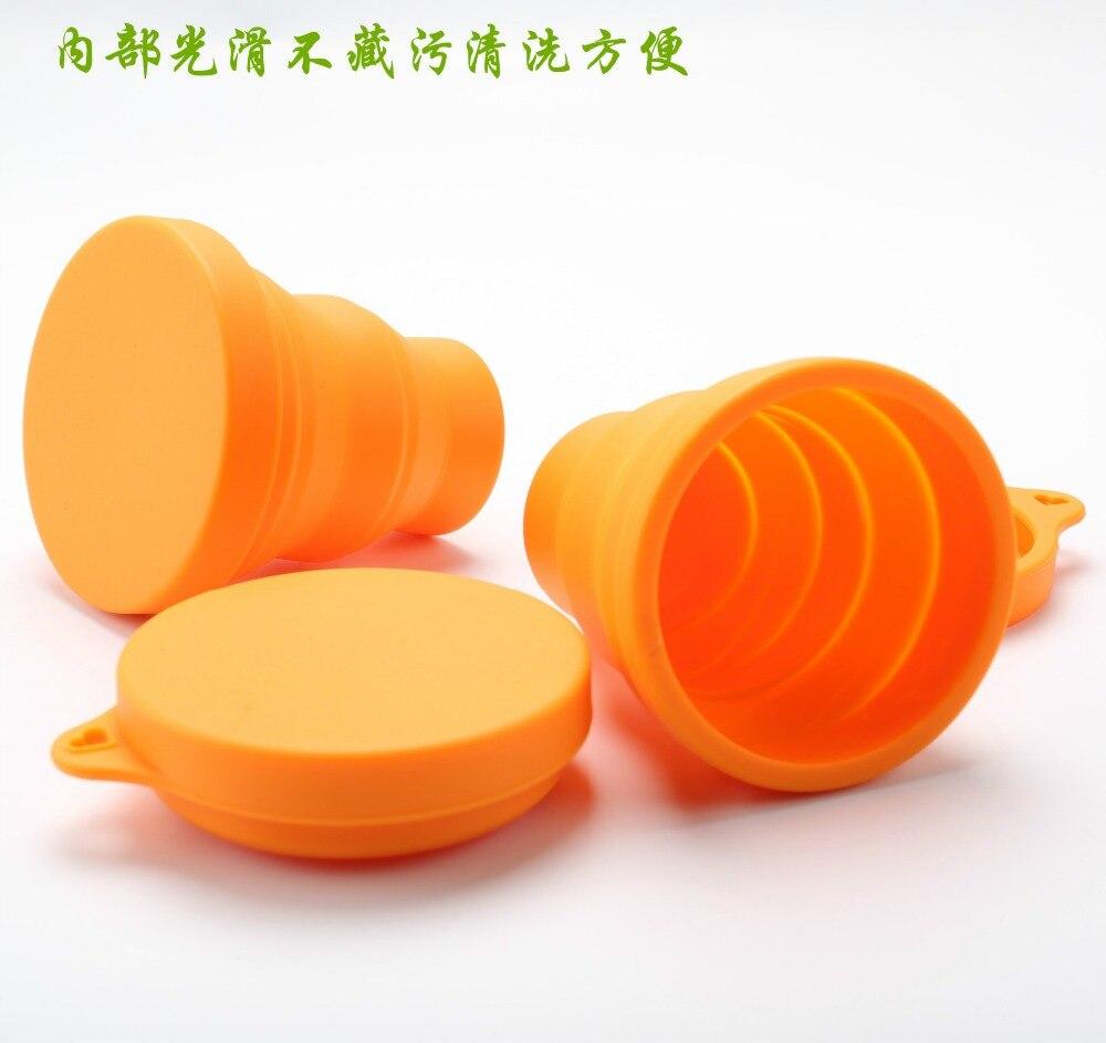 The silicone folding bottle Travel portable mini telescopic bottle Outdoor sports water bottle