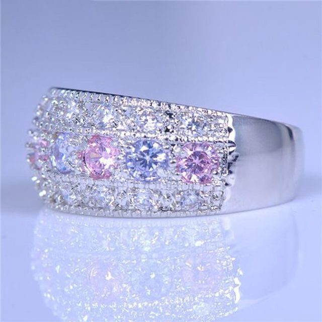 טבעת מקושטת באבני קריסטל צבעוניים 1