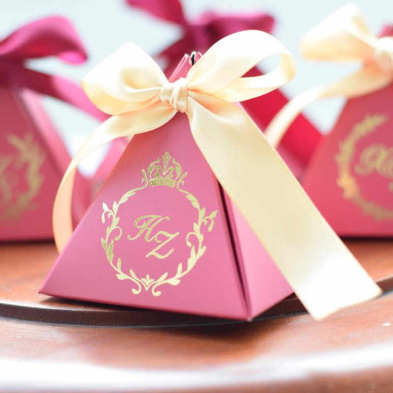 100PCS Customized Triangular Wine Red Gift Box Wedding Paper Candy Box Packing Gift Bag for Birthday party favors boxes