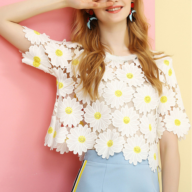 Women Top Tees Summer 2016 Fashion Short T-shirt Embroidery Floral Patterns Crochet Lace T Shirt Sweet Tshirt Tee Shirt Femme