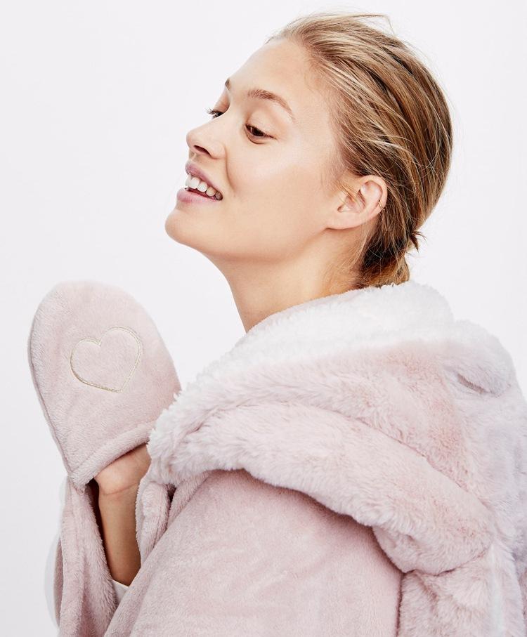 Cute Pink Comfy Blanket Sweatshirt Winter Warm Adults and Children Rabbit Ear Hooded Fleece Blanket Sleepwear Huge Bed Blankets 17