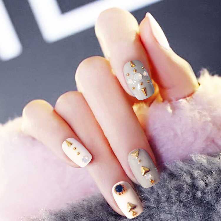 24PCS Nail product magazine Japanese grandmother grey fake nails ...