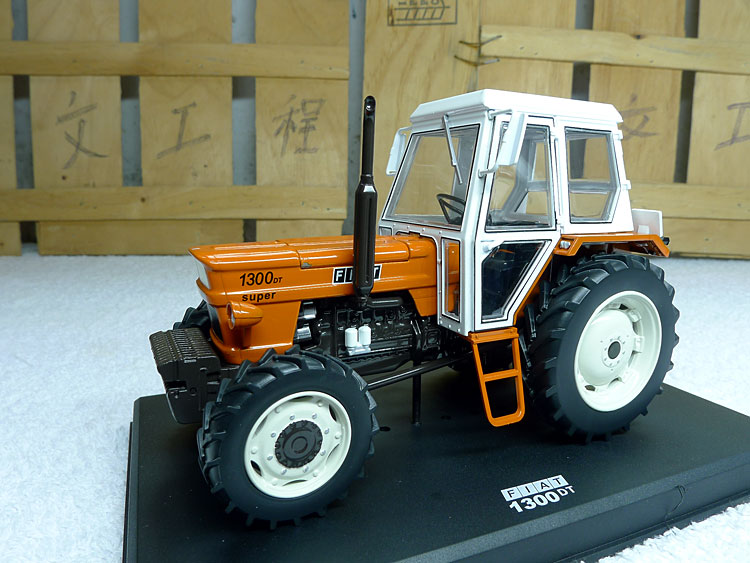 Replica Girl 1:32 FIAT 1300 DT tractor model alloy Favorites Model rep 1 32 fiat 110 90 tractor alloy model agricultural vehicles favorites model