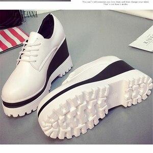 Image 2 - ربيع 2018 جديد حذاء واحد الأحذية النسائية الكعك أحذية نسائية عالية داخل باطن سميكة