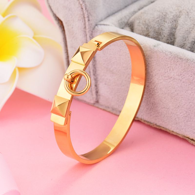 Casual Design Stainless Steel Gold Color Women Bangle Little Gold