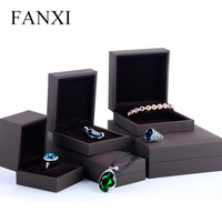 FANXI Free Shipping Custom High End Transparent And Matte Acrylic Crescent Shape Bracelet Jewelry Display Props