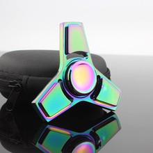 หลักTriสามเหลี่ยมมินิหลายนิ้วโลหะW Idgetอยู่ไม่สุขเหยื่อต่อต้านความเครียดหมุนล้อหมุนด้านบนEdcของเล่นสำหรับมือสีเขียว