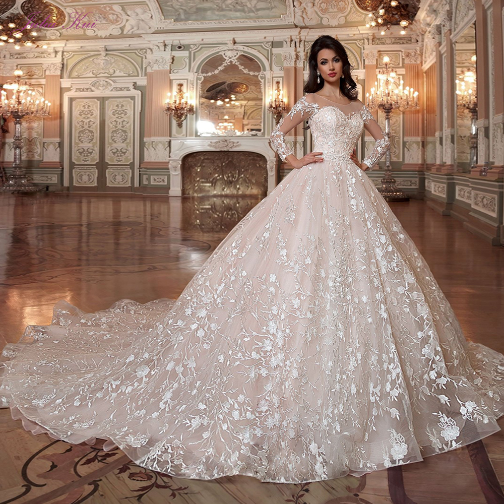 Julia Kui Vintage Princess Scalloped Neck Ball Gown Wedding Dresses With Chapel Train Sending Petticoat Gift in Wedding Dresses from Weddings Events