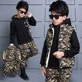 Crianças fatos de Treino camuflagem Outono inverno Meninos Esportes Ternos 3 Peças colete + T Shirt + Calças espessamento além de veludo Crianças conjuntos