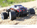 Rastreadores de Rock RC Car 2.4G 4WD Driving Car Dupla Unidade de Motores Bigfoot Carro de Controle Remoto Carro Modelo Off-Brinquedo Do Veículo de estrada
