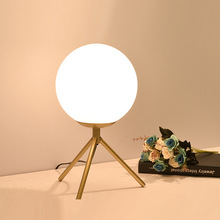 Creative postmodern minimalist bedside lamp bedroom decoration table lamp bedroom bedside lamp wrought iron WF417102