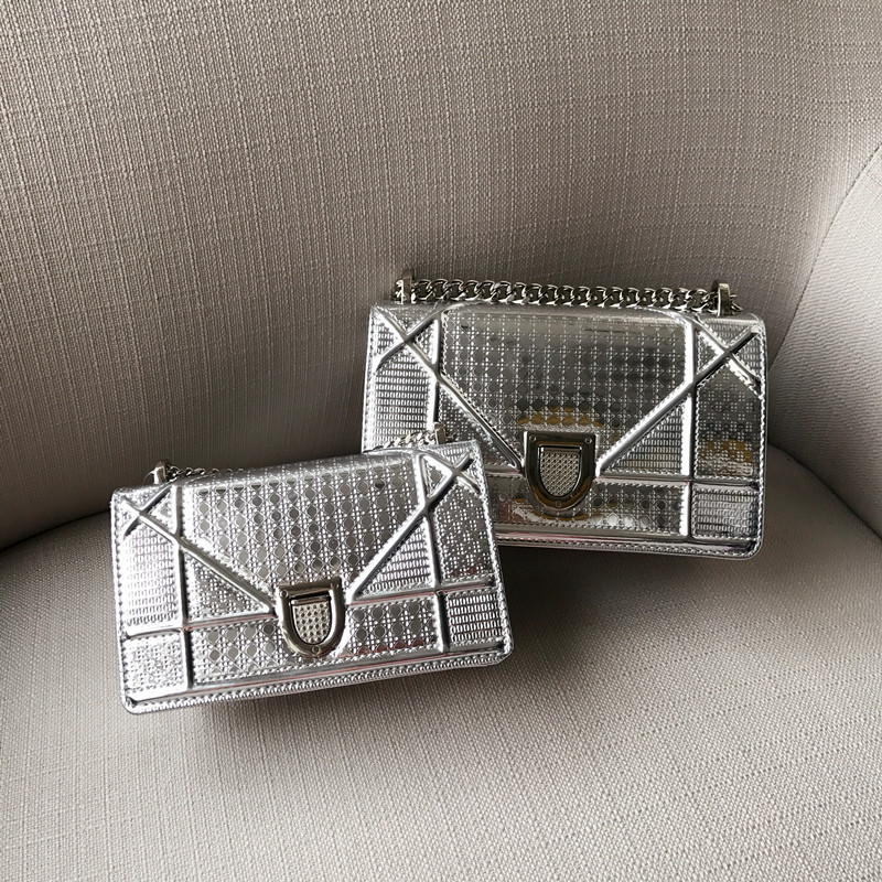 2018 Summer New Top Layer Leather Shoulder Clutch Bag Mirror Lock Single Root Badge Geometric Small Square Chain Women Hand Bag ...