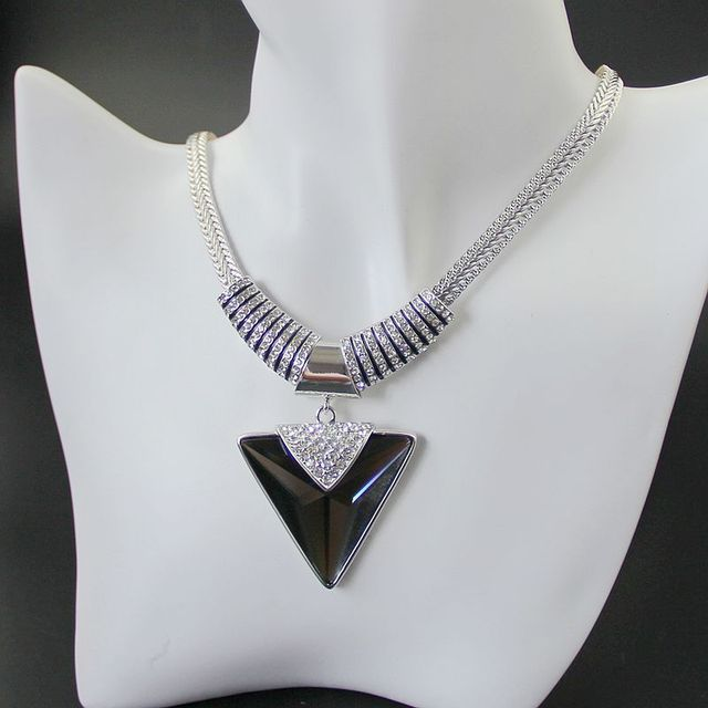 New Triangle Gray Crystal Pendant Punk Necklace Women Fine Jewelry Gift with Austrian Rhinestones, Item NO.: N4487