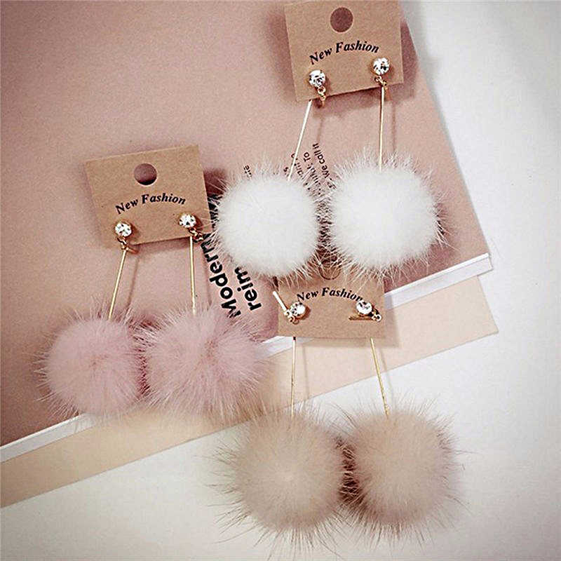 Cute Rabbit Fur Ball PomPom Long Drop Earrings Otter feather crystal Ear for Women Unique Soft Pom Pom Dangle Earring Jewelry