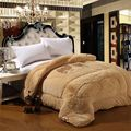 Super soft Super warm Filling: 97%camel hair  fiber Super warm and comfortable Winter quilt Queen Size comforter