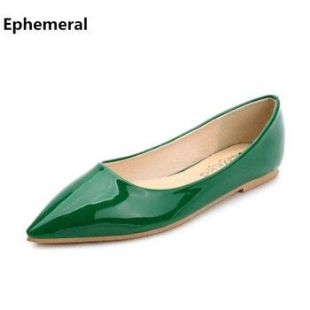 Zapatos de charol para mujer, mocasines informales con punta plana y puntera en muelle Verde, zapatos rojos hechos a mano, talla máxima 14 34