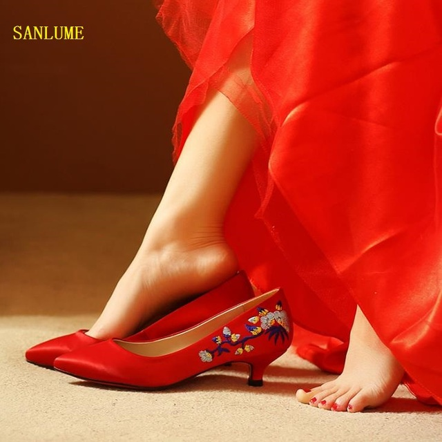 Top Quality Women Fashion embroidered Red Wedding Shoe