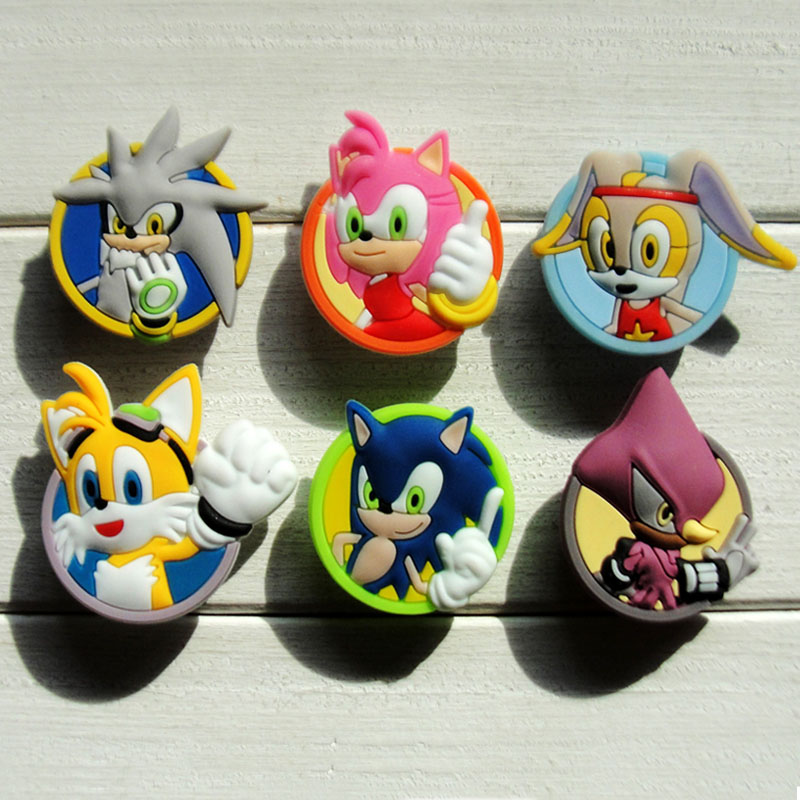 цена 1pcs Sonic The Hedgehog SeriesShoe Charms PVC Shoes Accessories Shoes Decoration Small Ornaments or Gifts for Party Shoe Buckles в интернет-магазинах