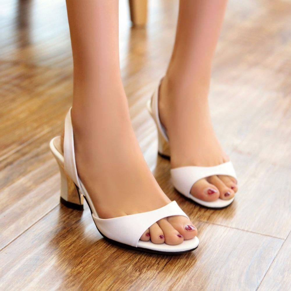 S sandalias románticas de mujer de cuero genuino más tamaños 34 43 nueva moda Zapatos de tacón de Mujer Sandalias negras rojo blanco SS255-in Sandalias de mujer from zapatos    2