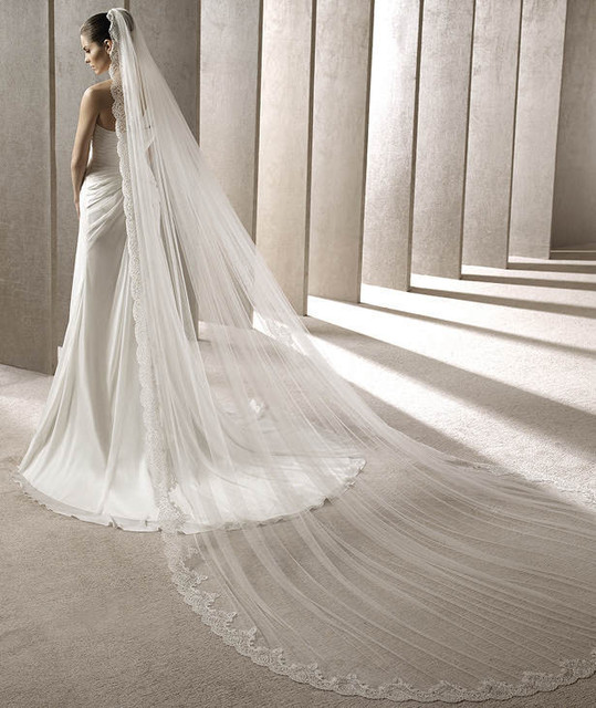 White Ivory Cathedral Length Luxury Lace Edge Wedding Veil 3 Meters High Fashion Long Bridal