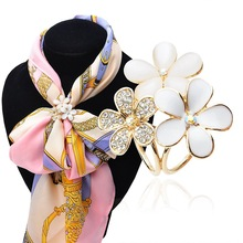 Korean Fashion Hand Painting Rhinestone Opals Gold Plated Jewelry Three Flower Tricyclic Shawl scarf buckle Ring Clips