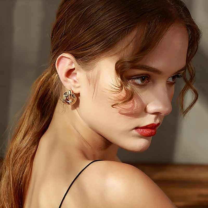 AENSOA 2020 New Knotted Stud Earrings Women Classic Minimalist Twisted Small Stud Earrings Cute Stud Jewelry Gold Silver Color
