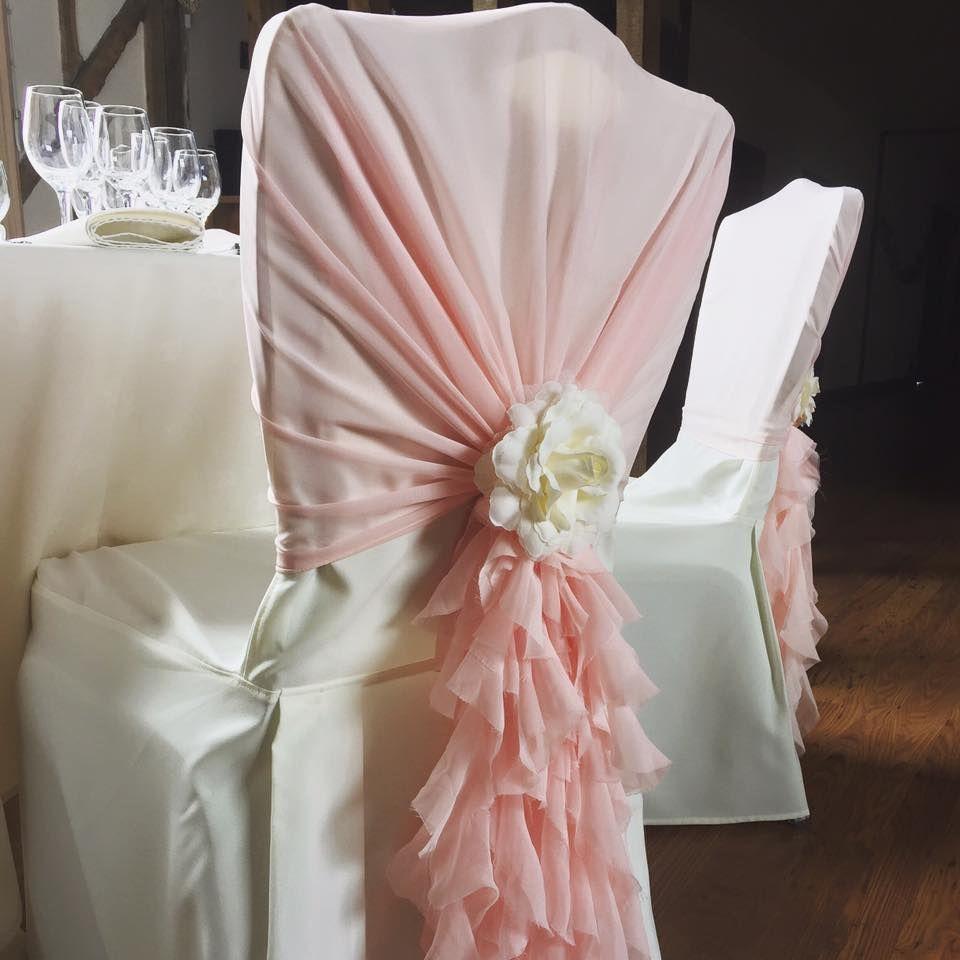 결혼식 사건을위한 곱슬 치기 버드 나무 덮개를 가진 고품질 쉬폰 의자 덮개 두건 당 호텔 가정 집 밖의 의식 훈장