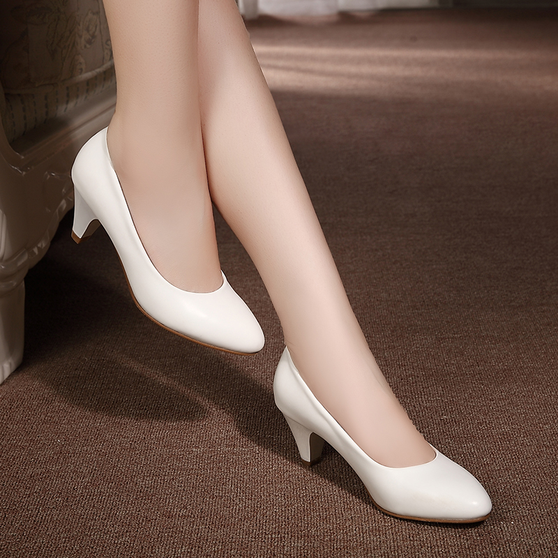 Women's genuine leather med heels 2016 New High Quality Shoes Classic Black&White Pumps Shoes for Office Ladies Shoes