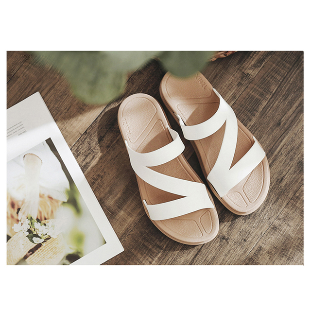 Women's Low Heeled Solid Color Sandals